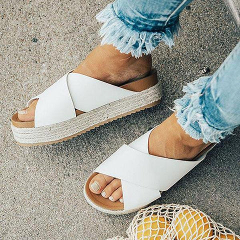 products/1806122338000-2018061217120700-9caf48bethe-becca-espadrille-in-white-jpg-1549174603571_2000x2000_1113d9e5-2ce9-476d-9c73-5a23959a9386.jpg