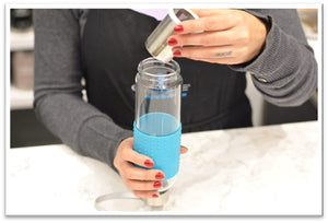 Marino Tea Infuser Bottle with blue silicone collar