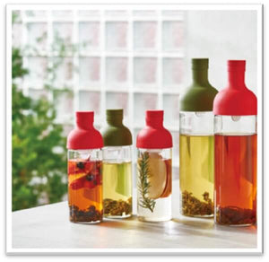 versatile hario cold brew bottles in different colours and sizes