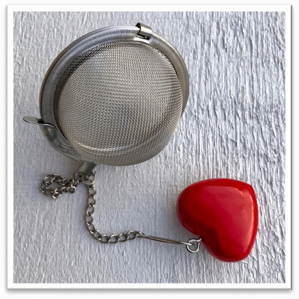 Red Heart Mesh Ball Infuser
