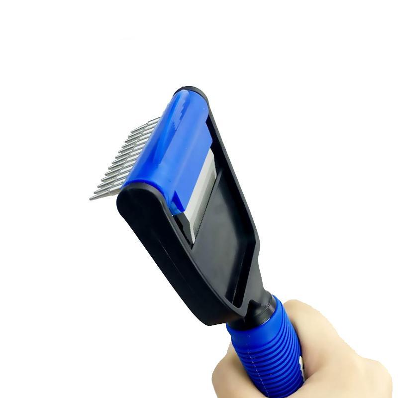 The Trendyest Deshedding Comb