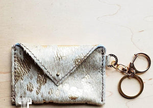 Load image into Gallery viewer, Cowhide Wallet Sierra White Gold Metallic - The Vintage Bohemian