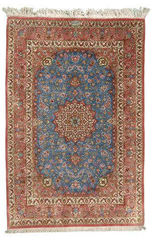 Persian Kum Bahbai Hand-Made Silk Rug - Tabak Rugs