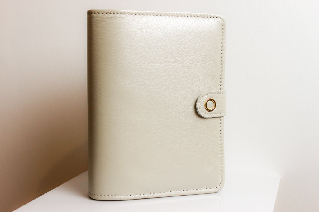 the villa a5 leather planner