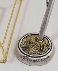Sterling silver and brass plated pen stand.  Length: 7 cm  Width: 7 cm
