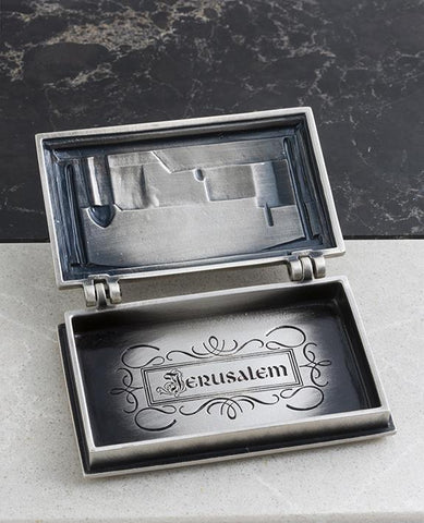 Sterling silver plated business card box with Jerusalem embossed.  Length: 7 cm  Width: 10 cm