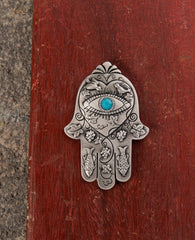 "Oriental Hamsa Magnet with Swarovsky crystal embeded against the ""evil eye""  Length: 7 cm  Width: 5 cm"