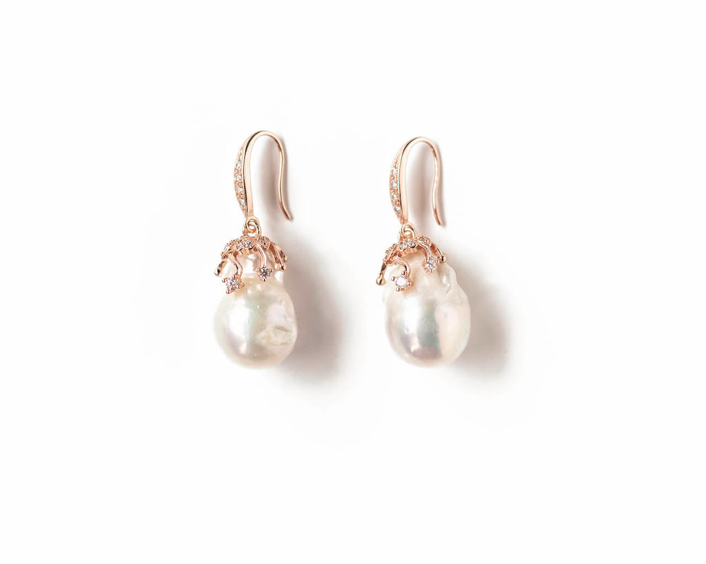 CLASSIC WHITE BAROQUE EARRINGS(ROSE GOLD)
