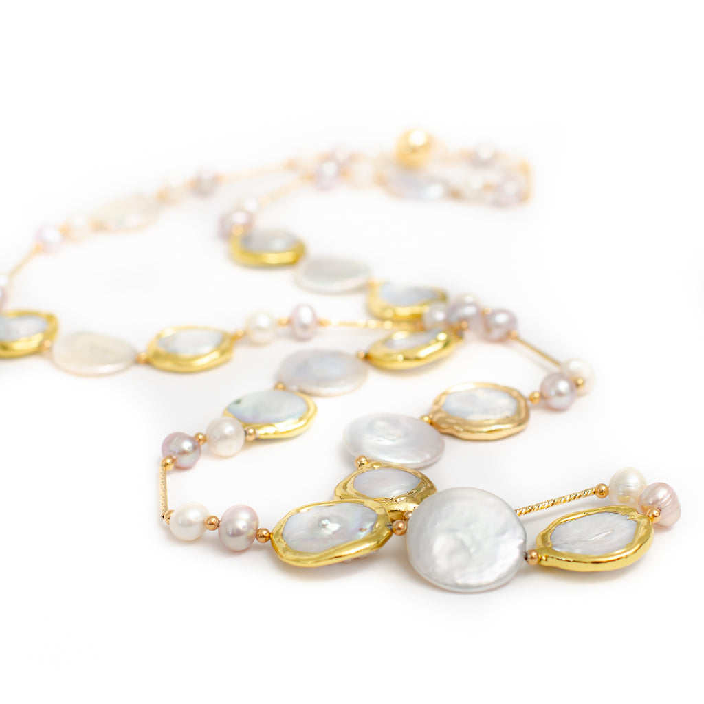 WHITE COIN PEARL WITH GOLD