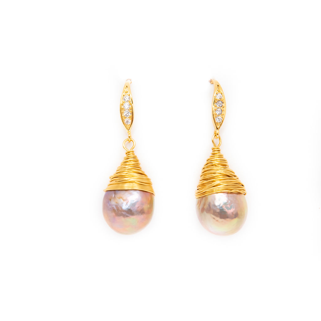 PINK BAROQUE PEARL EARRINGS IN WIRE