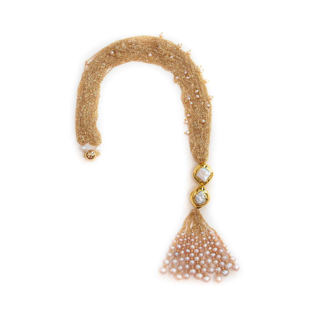 CHUNKY GOLD LOOP WITH PEARL TASSEL