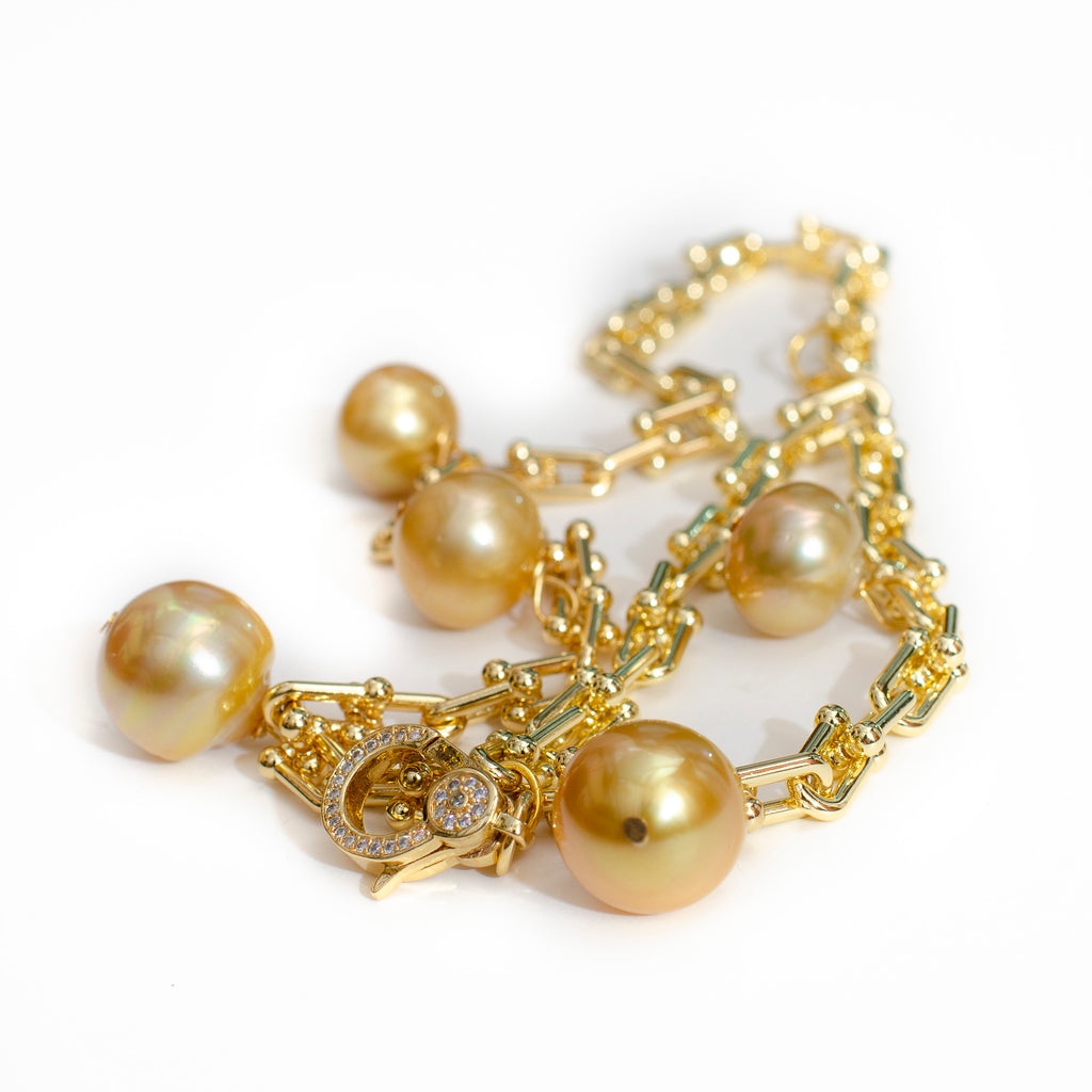 GOLD SOUTH SEA PEARL IN LOOP