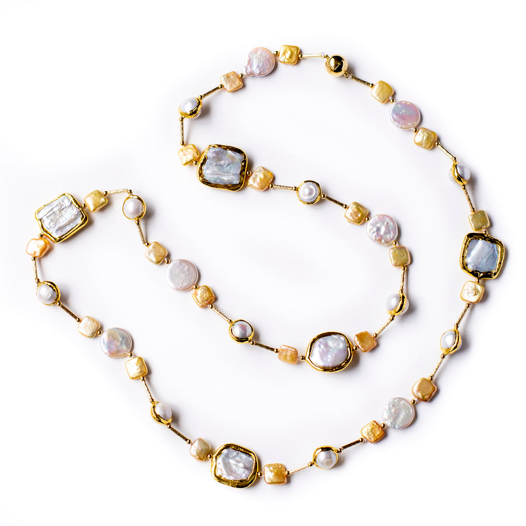 MANA DOS IN GOLD AND WHITE COIN PEARL