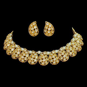 Gold Plated Exclusive Vilandi Necklace with Earrings (BANS00100)