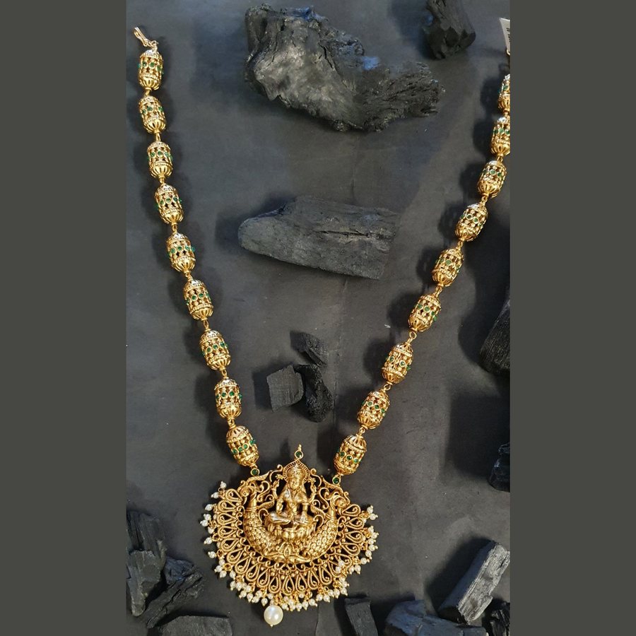Gold Plated Temple Necklace Set with Emerald Stone (BANSR00254)