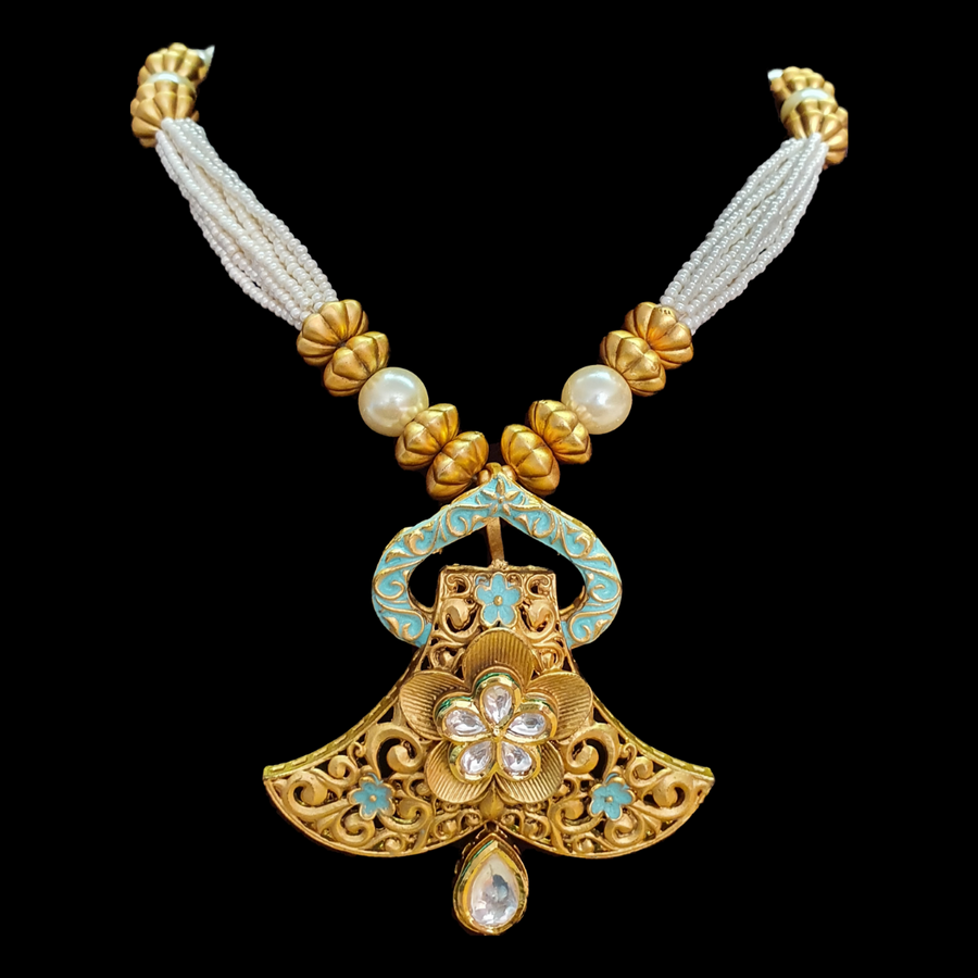 Gold Plated Vilandi Necklace with Earrings (BANS00204)