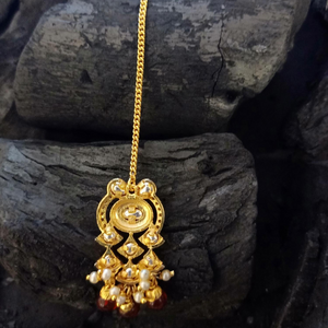 Gold Plated Maang Tikka with Attractive Vilandi Stones (BAMT054)