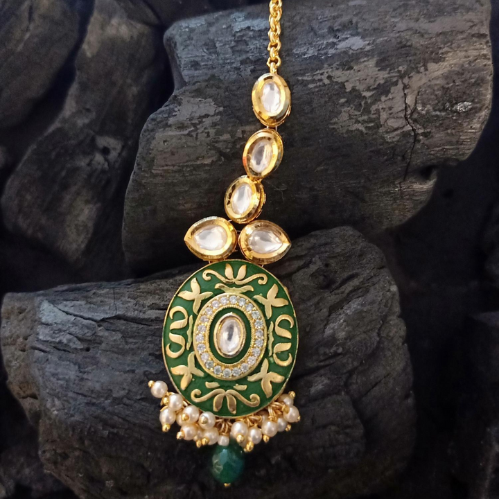 Gorgeous Vilandi Stone Studded Maang Tikka with Gold Plating (BAMT035)
