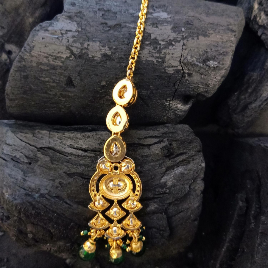 Vilandi Stone Embellished Maang Tikka with Gold Plating (BAMT052)