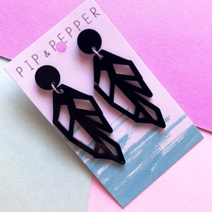 Geo Feather Dangles Black