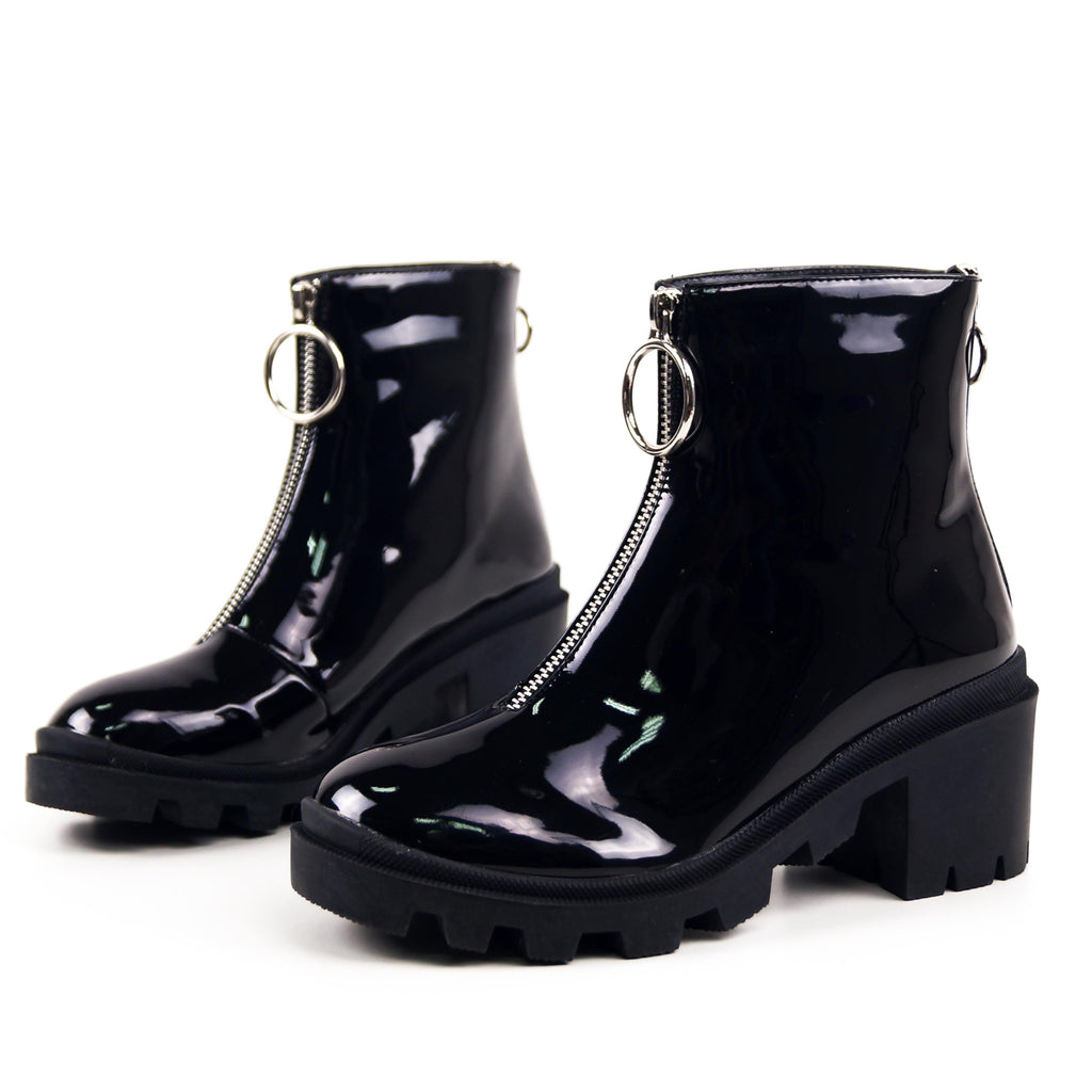 GIMME - Chuncky Heeled Ankle Boots in Black Patent