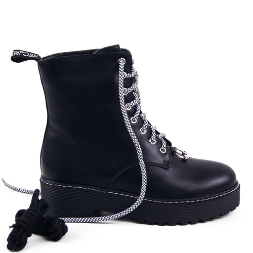 MARVI - Chuncky Ankle Boots in Black with Piercing Detail