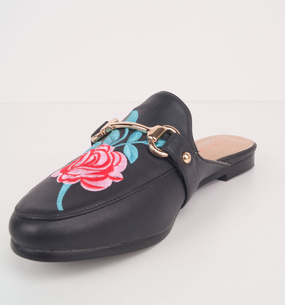 Deysi Floral Embroidered Mules