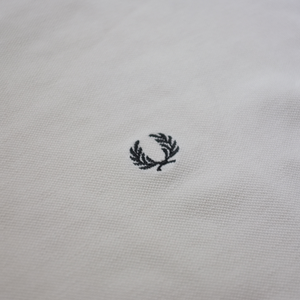 Fred Perry V-Neck T-Shirt Small
