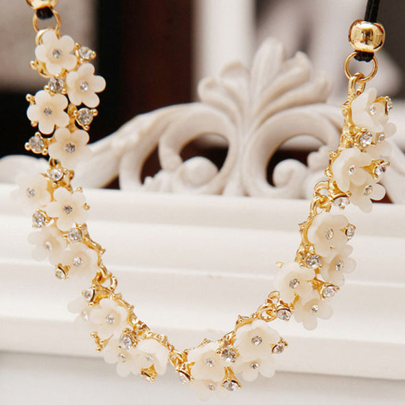 Women Daisy Flower Bib Statement Pendant Chain Necklace Costume Jewelry - Cosplay Infinity
