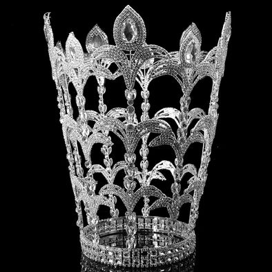 Unbelievable Big Crown Window Display King Queens Bridal Crowns Tiara