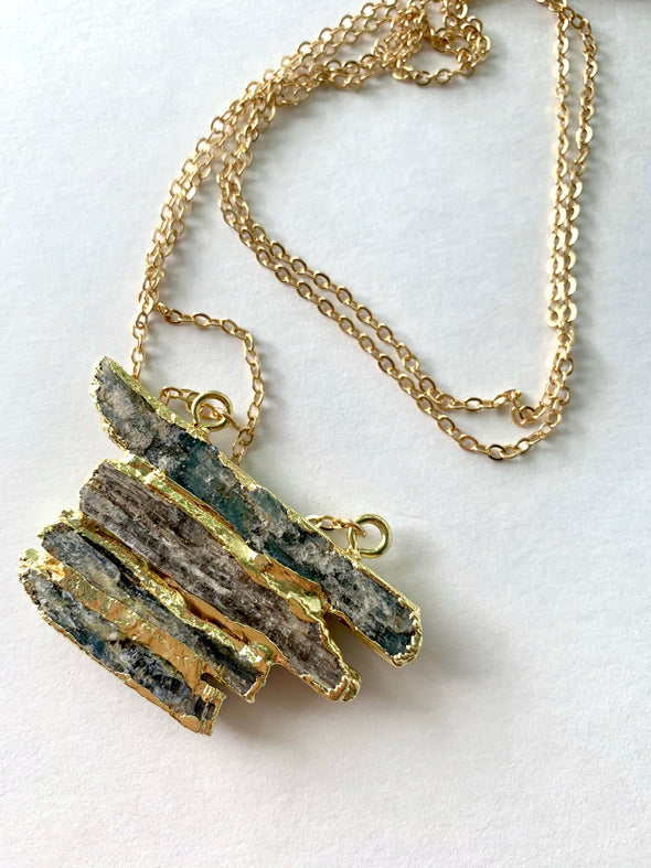 Long Cliff Jump Necklace