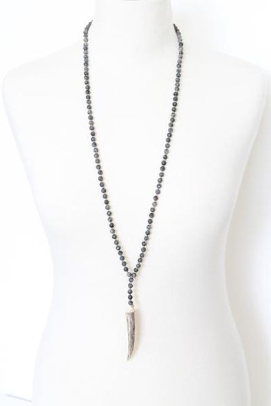Sandia Horn Necklace in Black