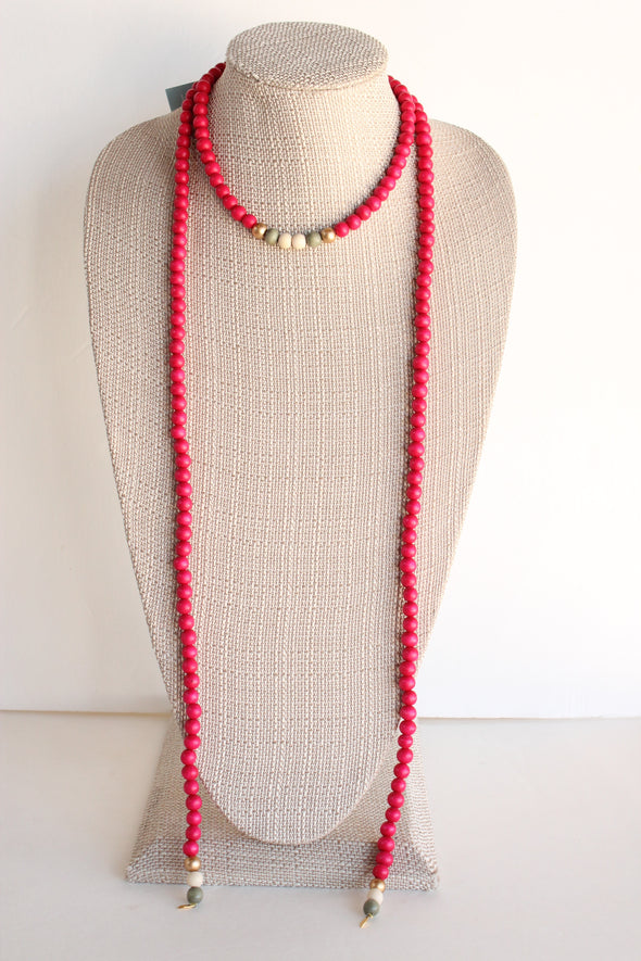 Wooden Lariat in Hot Pink