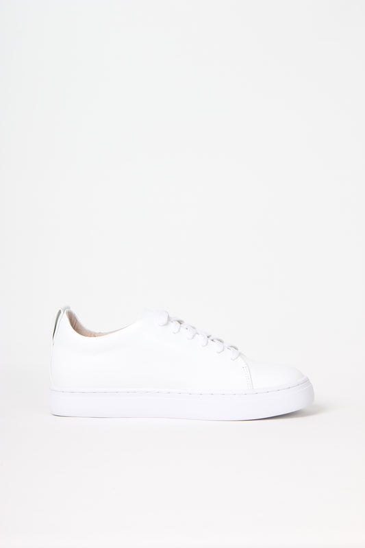 Premium lace up sneakers in white calf leather from Swedish shoe brand ANNY NORD.