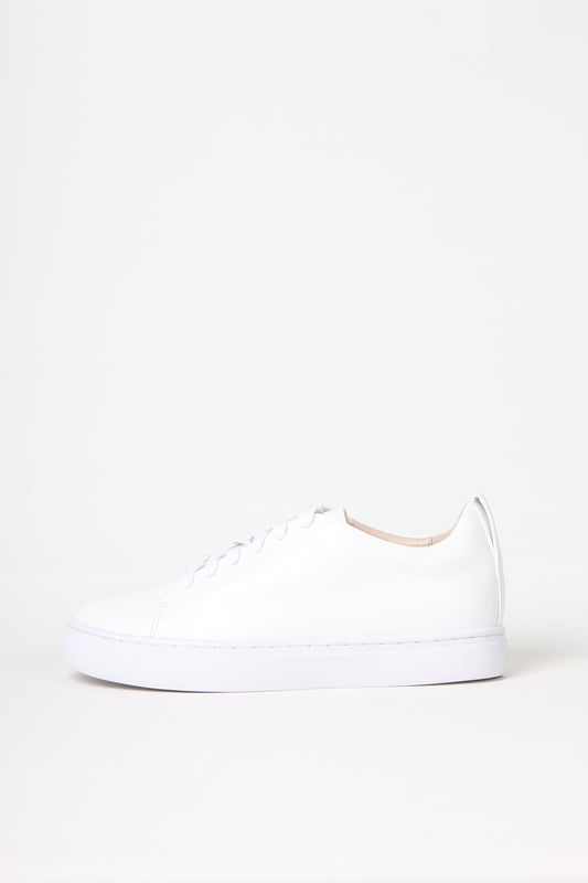 Premium lace up sneaker in white calf leather from Swedish shoe brand ANNY NORD.