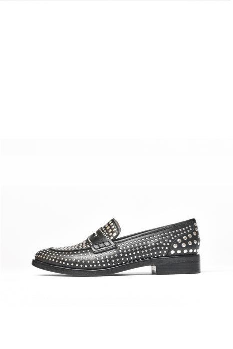MISS JACKSON IF YOU'RE NASTY - Anny Nord's classic cut loafer with a rock 'n roll twist. Upper with silver metal studs. Designed in Sweden and handcrafted in Portugal
