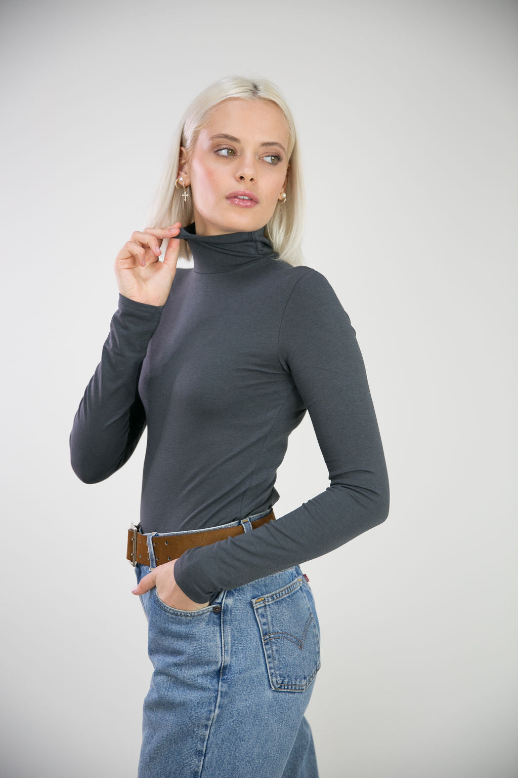 The Perfect Turtleneck-Charcoal Gray