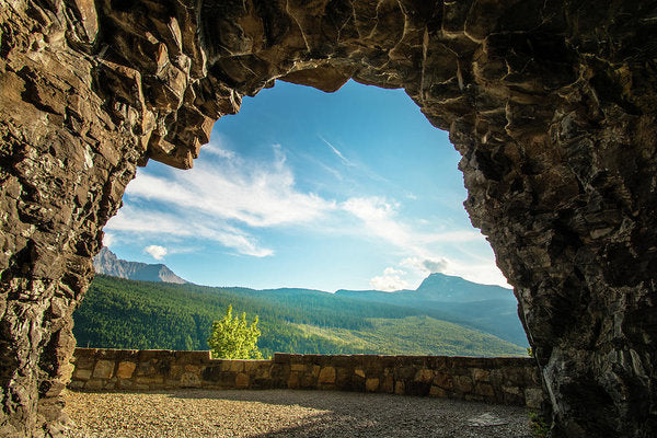 Cave Lookout Going To The Sun Road, Glacier National Park, Monta - Art Print