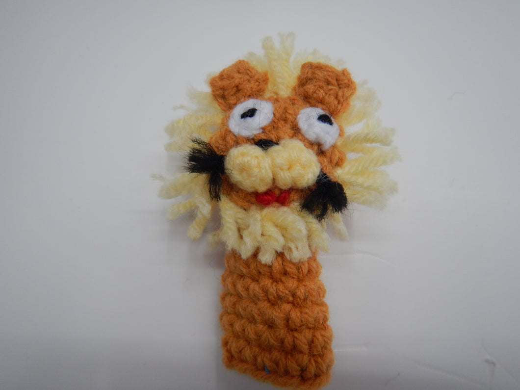 crocheted lion finger puppet
