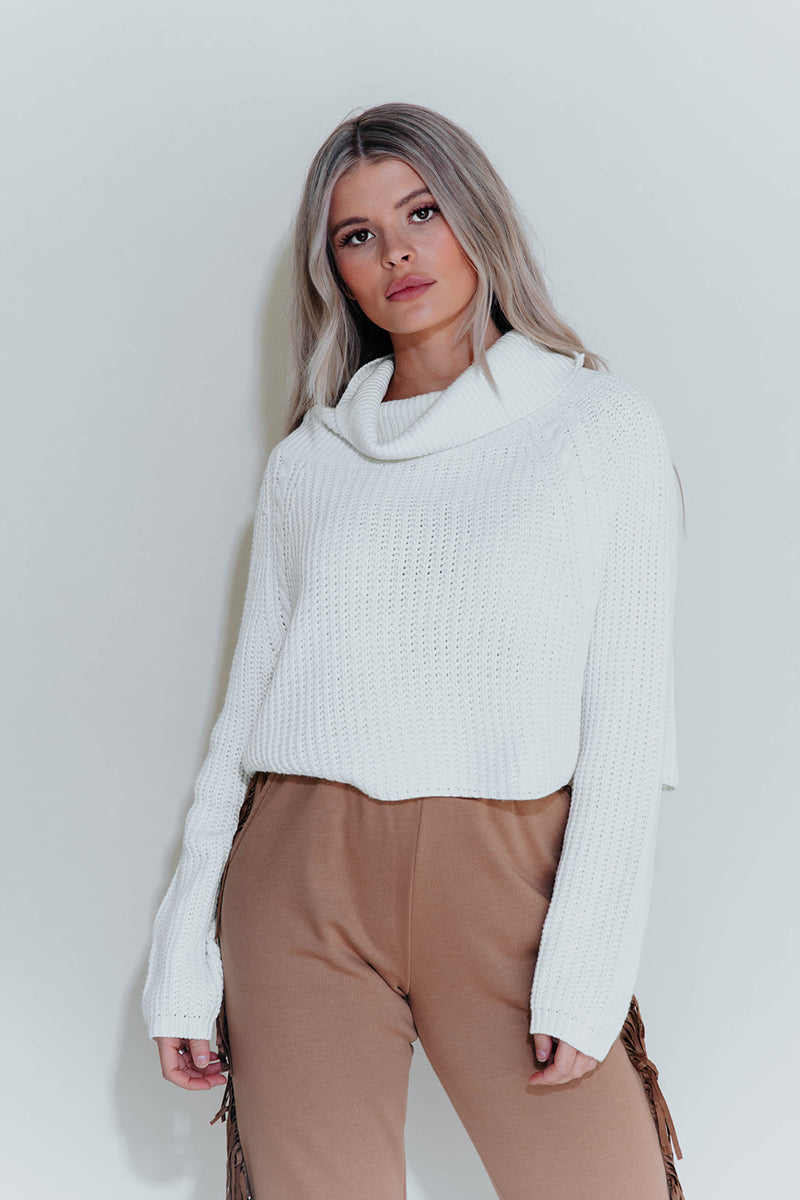 LEONA CREAM TURTLENECK