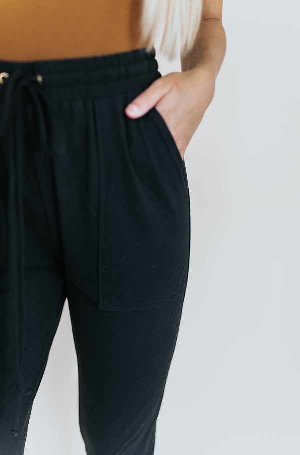 TARA BLACK SWEATPANTS