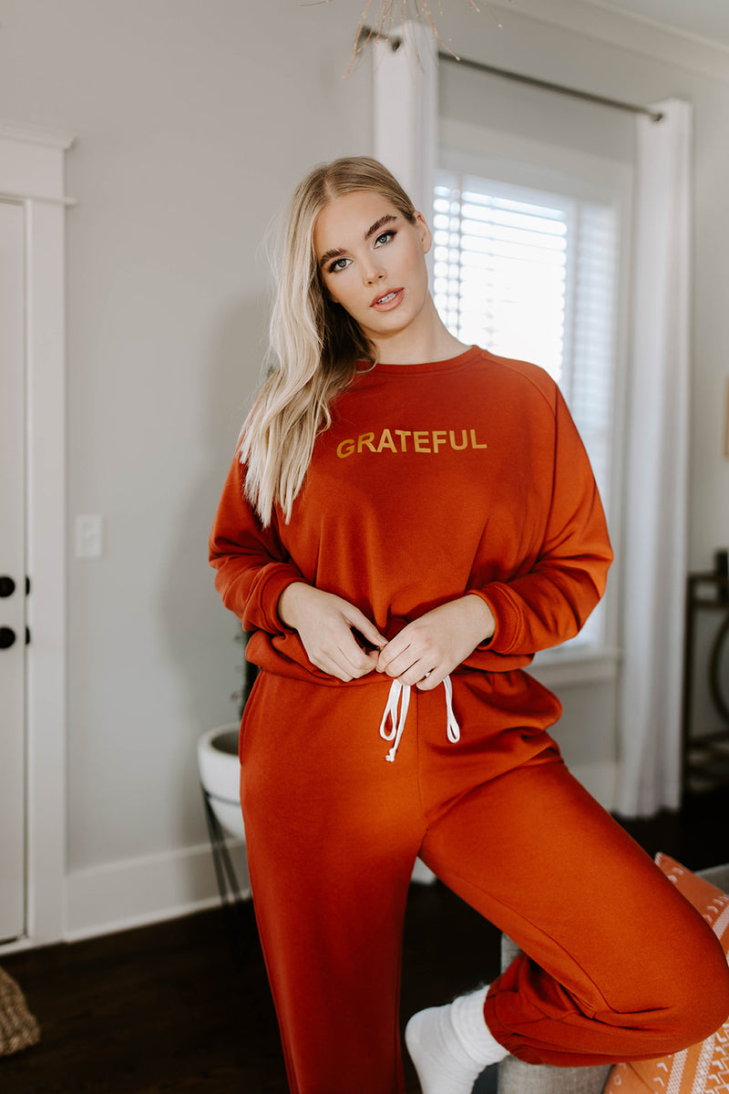 GRATEFUL RUST SWEATSHIRT