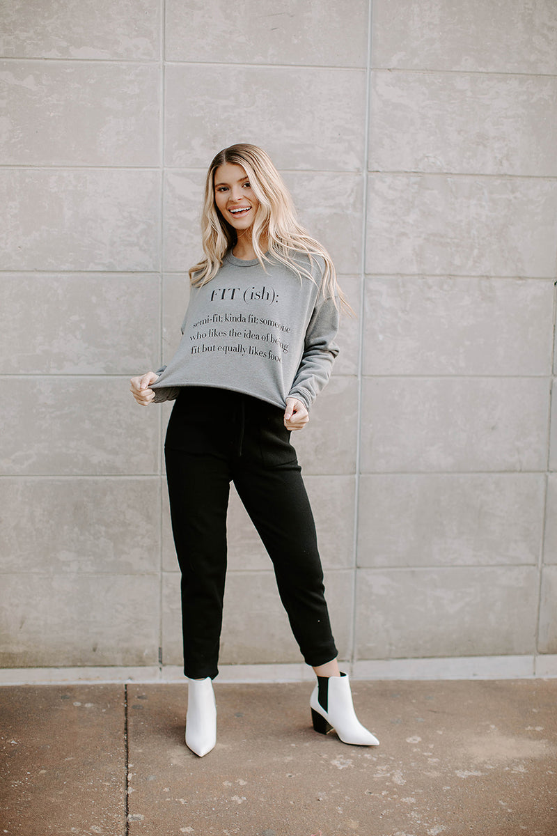 FIT (ish) CROPPED SWEATSHIRT