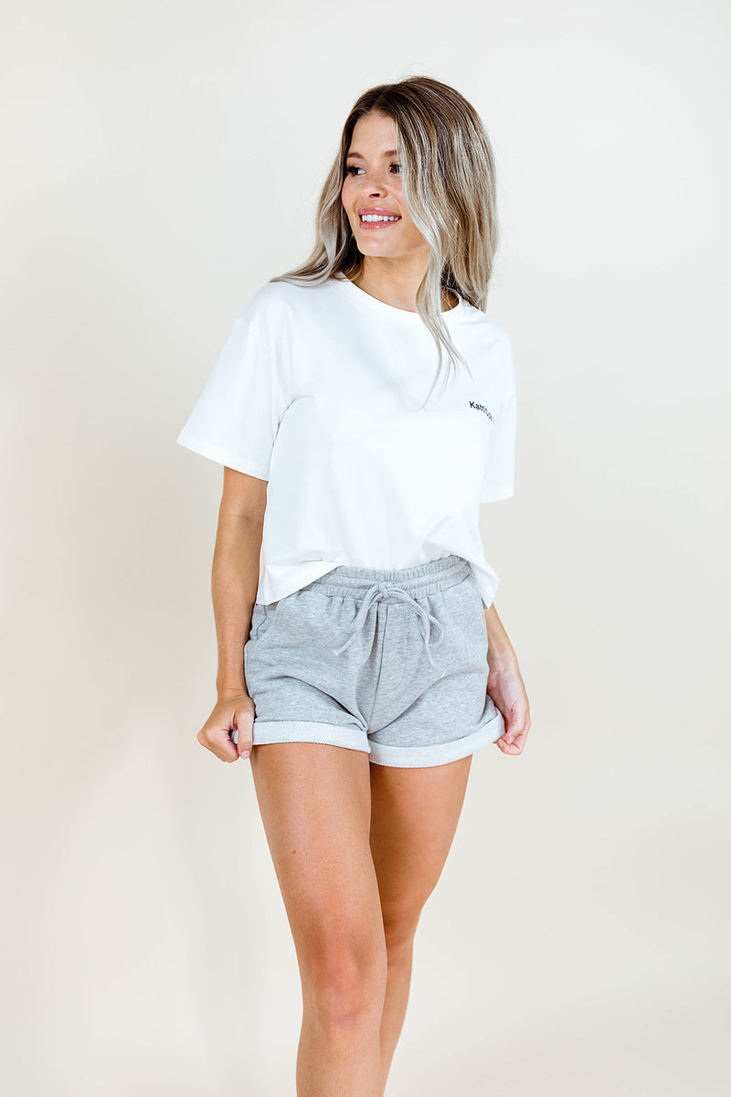 KATTITUDE SEMI CROPPPED WHITE TEE