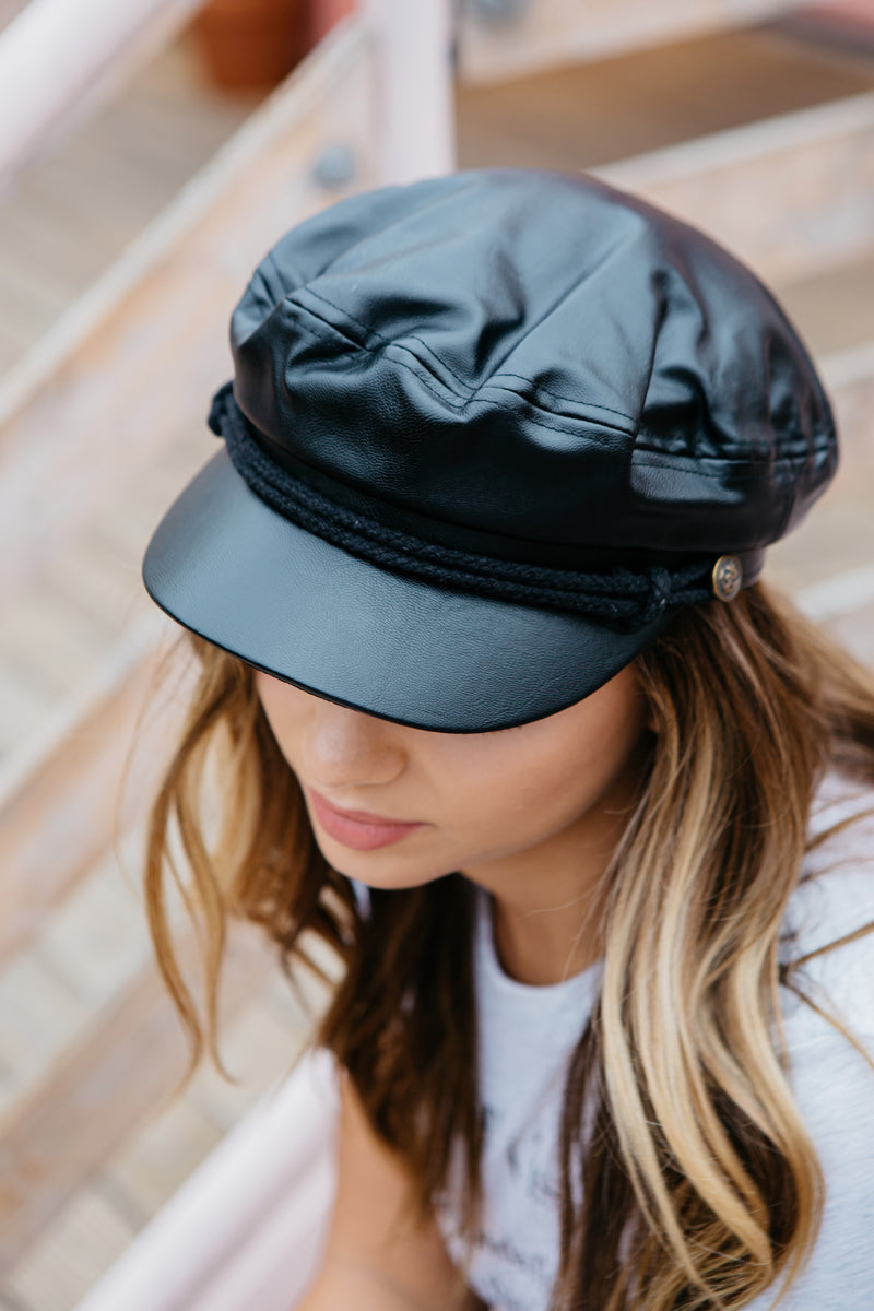 FISHERMAN HAT IN FAUX LEATHER