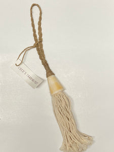 Tassel wall decor with shell