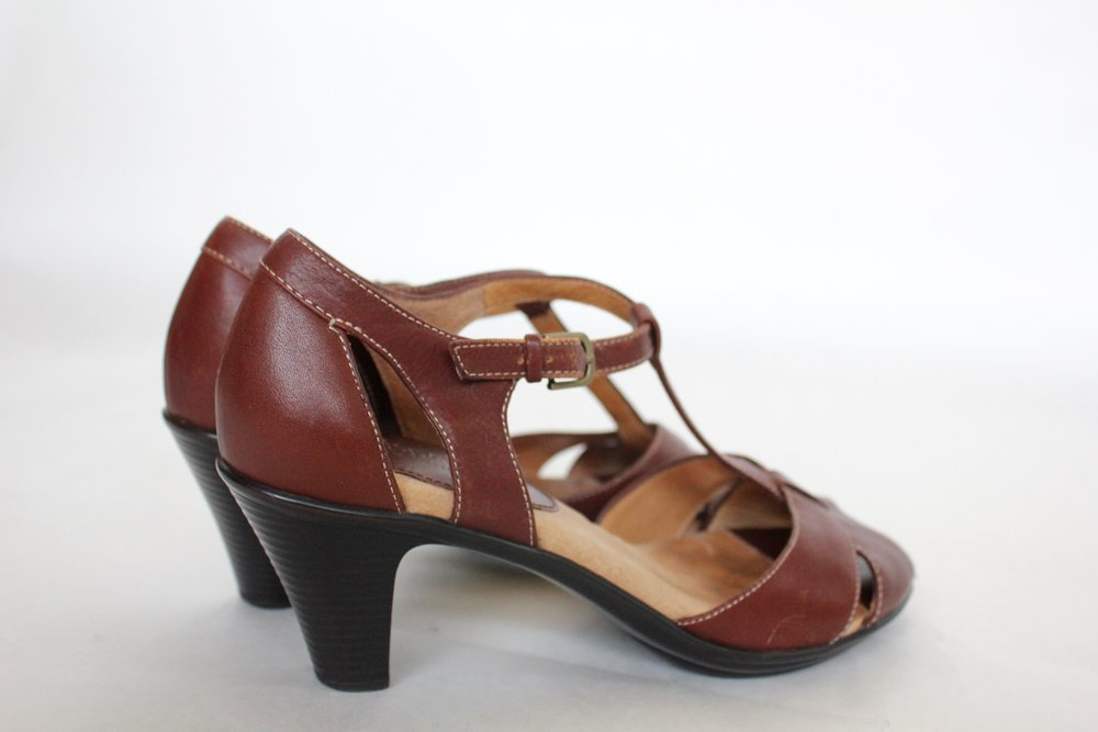 Size 7 Leather T-strap Heel
