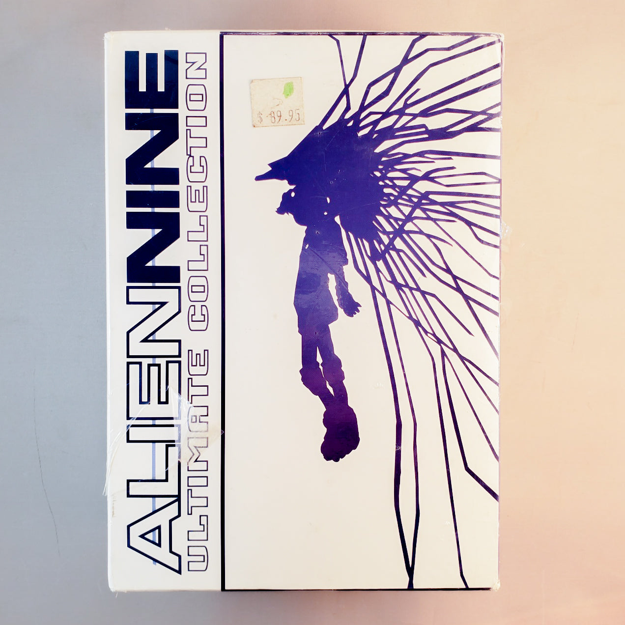 Alien nine Ultimate DVD & Manga Collection. Volumes 1, 2 and 3