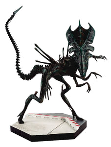 Alien Predator Xenomorph Queen Figurine Collection #4