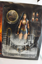 BVS Dawn of Justice: Wonder Woman Play Arts Kai Figure